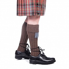 Finest quality wool rich Kilt Hose with a ribbed leg section and patterned turn-over top. Wool mix for wearing comfort: 40% Wool / 40% Nylon / 20% Acrylic Available in the following sizes: