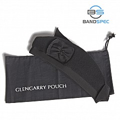 The BandSpec Glengarry Pouch is a practical storage pouch for keeping your glengarry clean. Often enough the glengarry is kept in a pipe case or a drum case and gathers dirt, dust