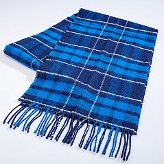 100% real lambs wool scarf. Made in Scotland by House of Edgar. Size: 180 cm x 20 cm