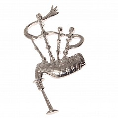 Bagpipe Pewter Kilt Pin Size: 9cm long and wide 4,5cm